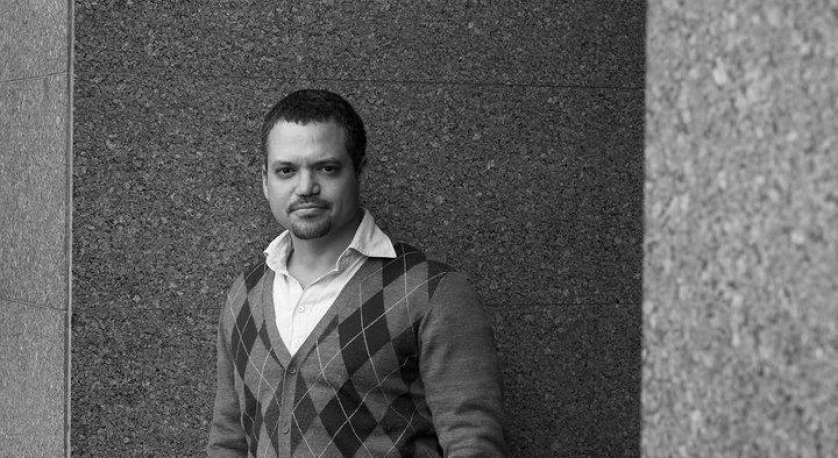 photo of Roger Santodomingo in black and white